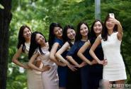 韩国梨花女大学生拍毕业照 短裙长腿颜值吸睛